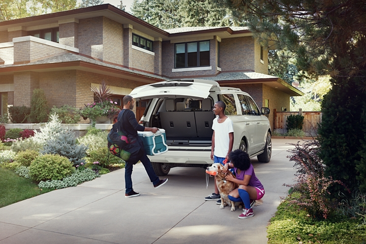 2020 Ford Expedition King Ranch with standard hands free foot activated liftgate