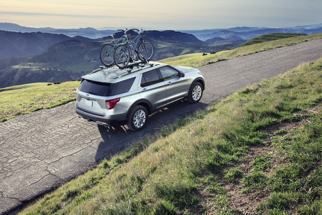 2020 Explorer Limited in Iconic Silver on a steep hill