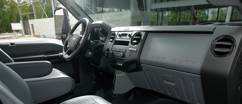 Parte delantera interior de una Ford2021 para Trabajo Mediano