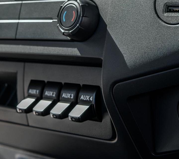 Controles de Temperatura y Consola Central en unaFordF7502021