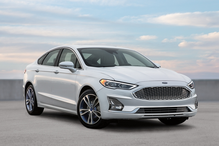 2020 Ford Fusion Titanium in White Platinum
