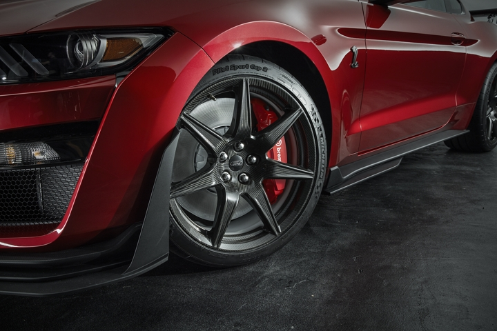 Close up of the 2020 Ford Mustang G T 500 wheel and front brake