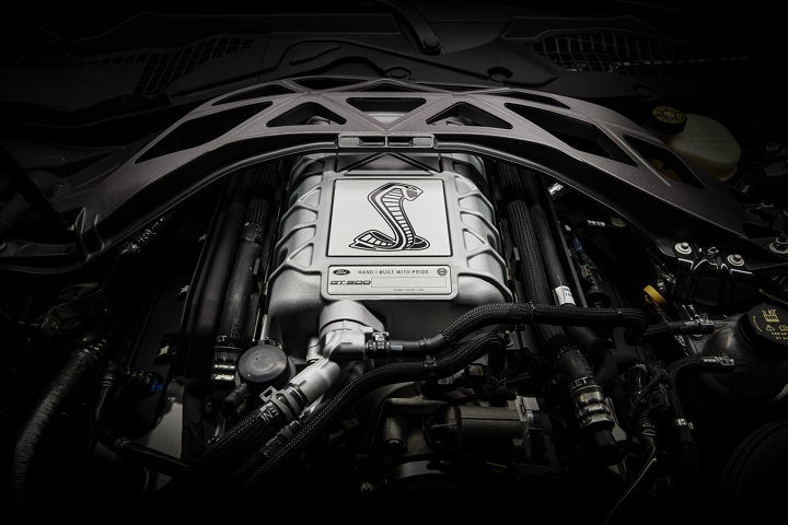 Primer plano del Ford Mustang G T 500 2020