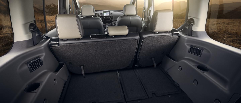 Interior de unWagon para PasajerosFordTransitConnect2020 con espacio para toda tu carga o equipo