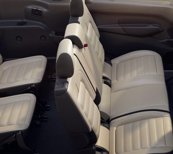 Se muestran los asientos disponibles de unWagon para PasajerosFordTransitConnect2020