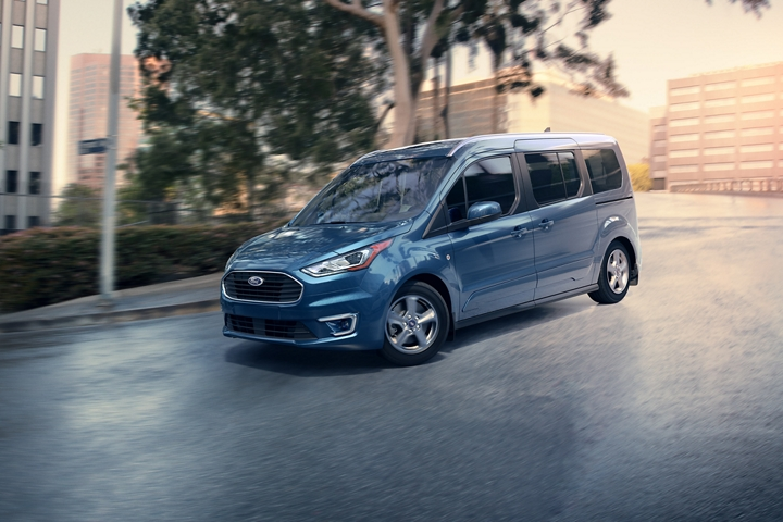 2020 Ford Transit Connect Passenger Wagon getting around in the city