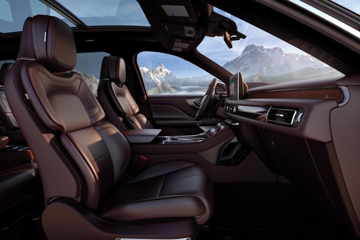 Imagen del interior de la Lincoln Aviator Black Label que tiene el tema Destination