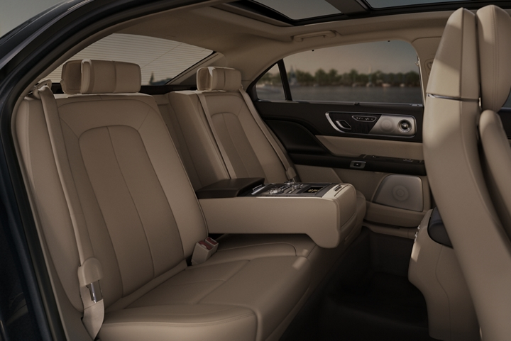 A rear seat view of the Lincoln Continental that has an available Rear Seat Amenities Package