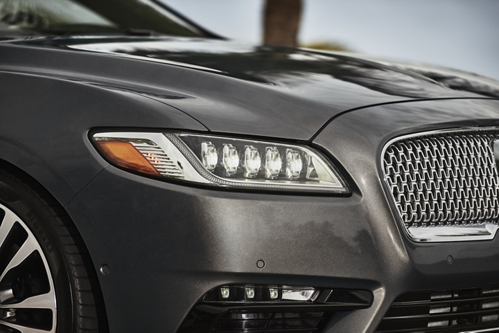 The available full L E D adaptive headlamps are shown as they sparkle brilliantly