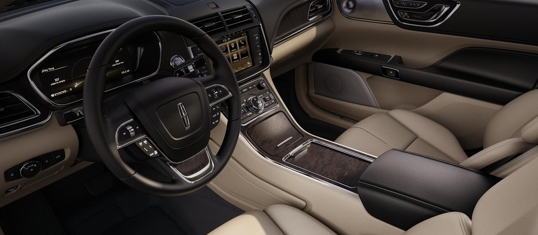 Los asientos delanteros, que se ven en color Cappuccino, muestran una artesanía y una fluidez perfecta.