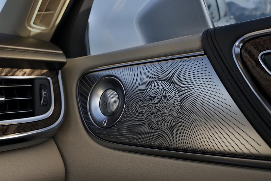 Lincoln Continental Black Label 2020 con sistema de sonido Revel Ultima