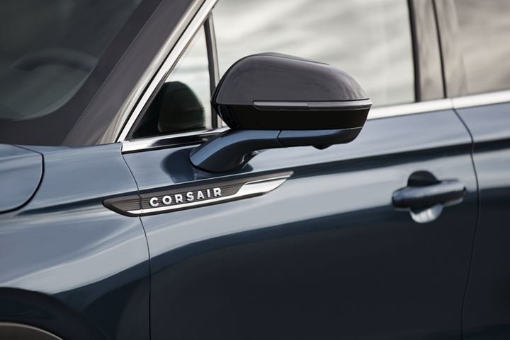 The chrome Lincoln Corsair door fender badge is an elegant symbol of high quality luxury and artistry