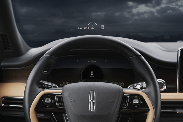 The head up display projected on the windshield above the digital cluster provides clarity and convenience