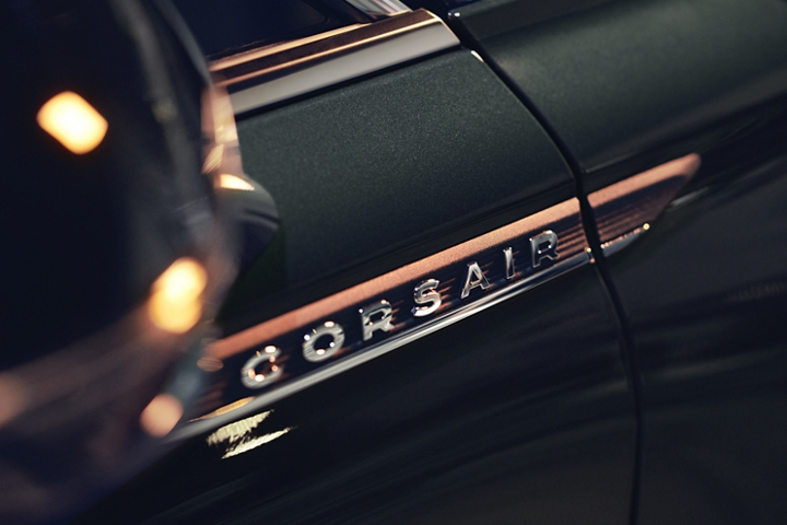 The chrome 2020 Lincoln Corsair door fender badge is an elegant symbol of high quality luxury and artistry
