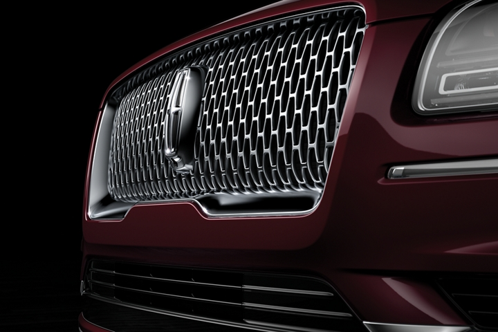 The grille of the Lincoln Black Label Navigator is shown in this image