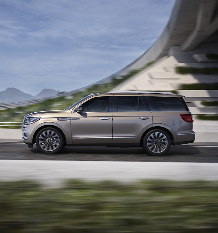 2019 Lincoln® Navigator 360° Photo & Video Gallery ...