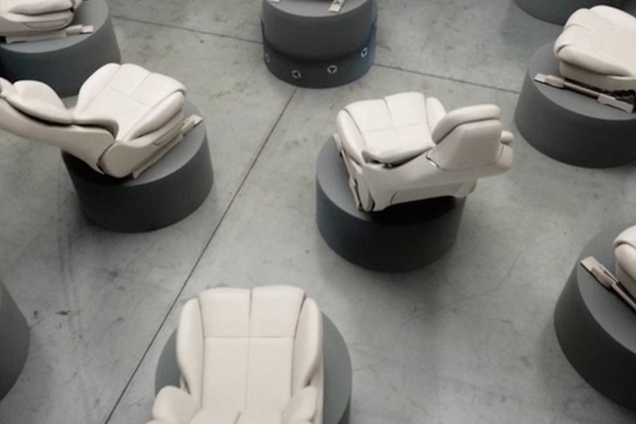 The beauty adaptability and customization of perfect position seats are illustrated with a video of isolated seats moving and adjusting in sync